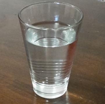 Was-hilft-gegen-Sodbrennen-Wasser